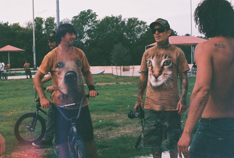 The FBM and Shitluck teams as well as the Sasquatch/SinCal family and others all descended on the Pflugerville park during my last day in Texas. Andy Maguire aka Dogshirt and Leland Thurman. Scummy bears.